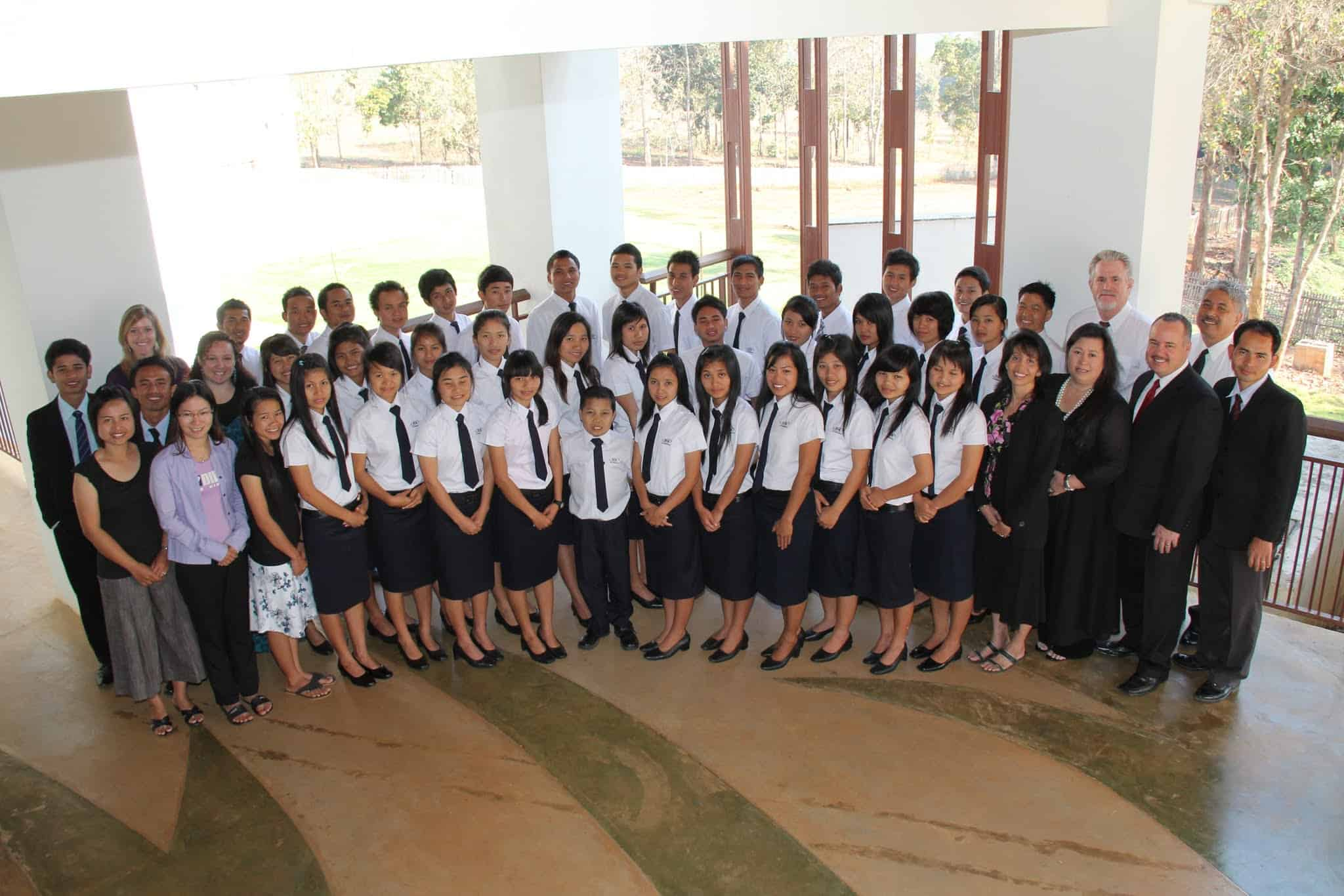 Thai graduate students with Zoe International team